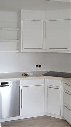 Einbauküche mit LG HI-Macs Arbeitsplatte